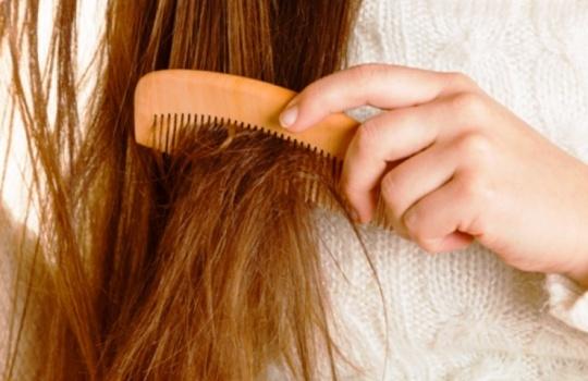 Cara Mengatasi Rambut Mengembang dan Kusut